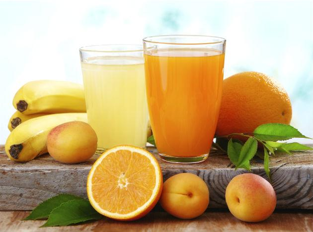 <b>Using Natural Juices:</b> Some juices have been found to be effective in controlling high sugar levels that can prove fatal for diabetics. These are juices of fruits and vegetables that are further enriched with antioxidants and many rare micronutrients. The most recommended variety here is the Bitter Gourd or Karela juice. Other options include grape juice or the juice-like extract made from boiling mango leaves in water.