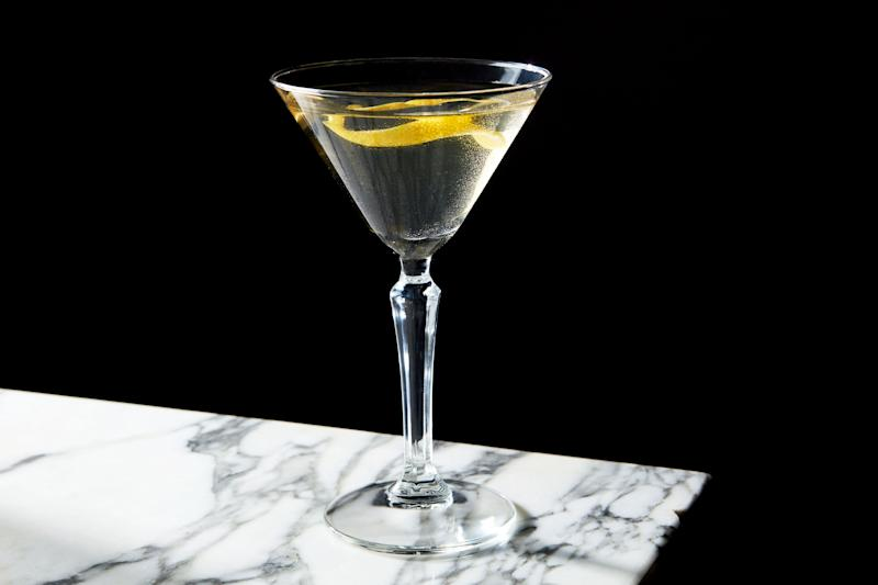 You love gin. You love vermouth. With the Fifty-Fifty, you can love them both.