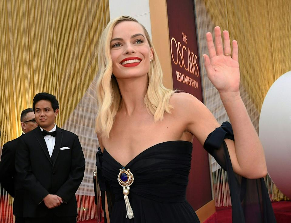 Margot Robbie arrives for the 92nd Oscars at the Dolby Theatre in Hollywood, California on February 9, 2020. (Photo by Valerie Macon/AFP via Getty Images)