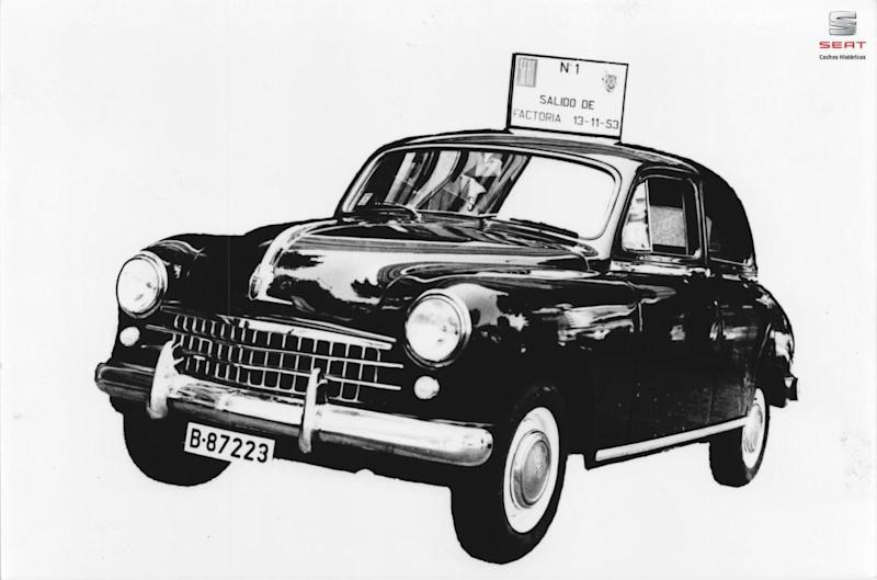 Seat 1400 The First Spanish Saloon Turns 65 Years Old