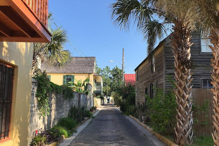 Palm trees and historic homes in the old town in St. Augustine