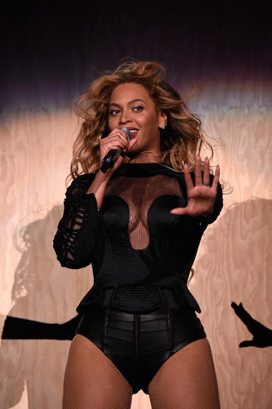 Beyoncé Wore 8 Different Leotards During Her Epic Made in ...