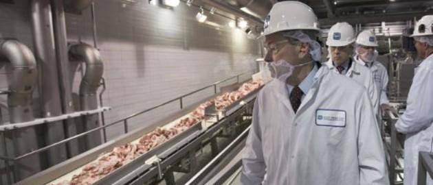 meat processing. Photo: AP Photo/Nati Harnik