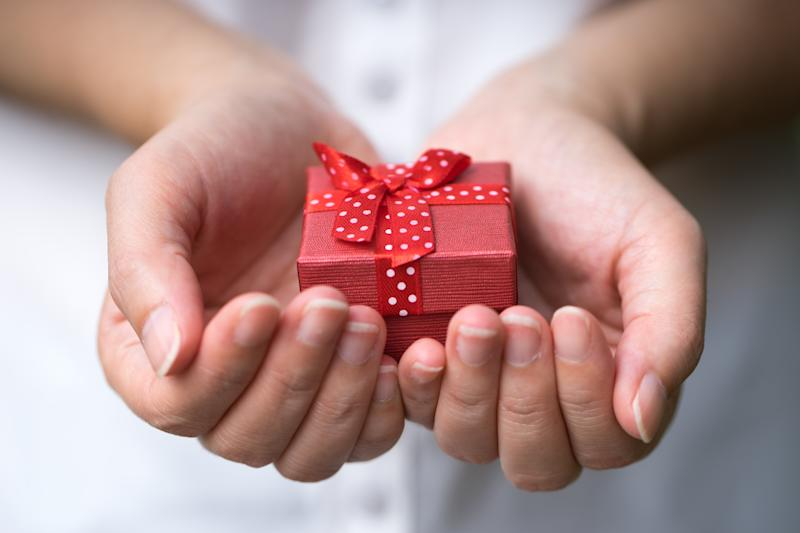 Keeping the price tag small is easy with these perfect gift ideas. Photo: Getty Images