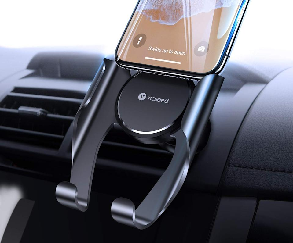 This phone mount has a 4.1 out of five stars with over 1,400 reviews. (Photo: Amazon)