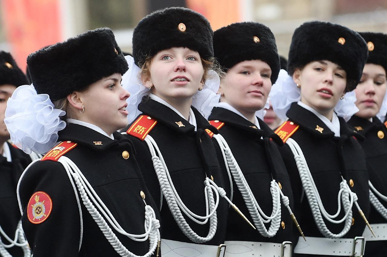 <p>Representing 10% of Russia's military strength, the current tally of women in the Russian Army stands at around 115,000-160,000. In fact, since 2005, the Russian army has even held Miss Russian Army beauty contests for attractive female Russian soldiers. </p>