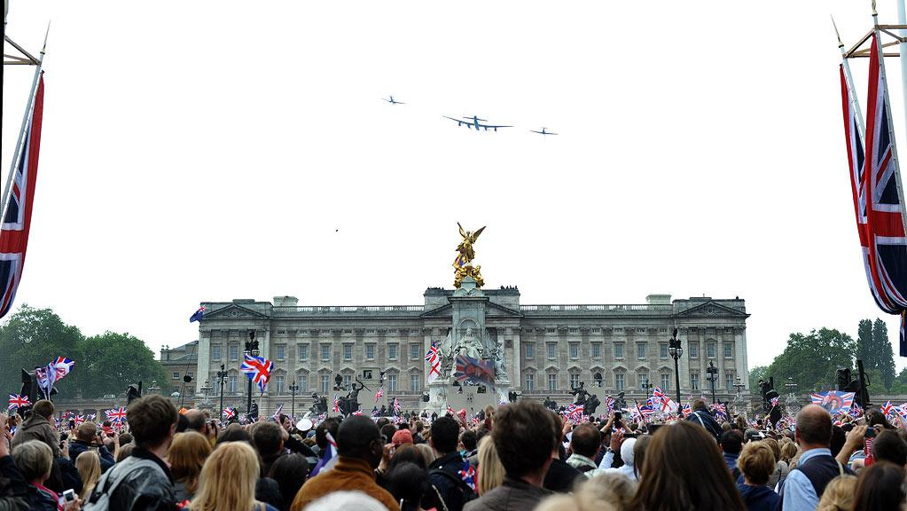 "The Fly Over: You know what more weddings could use? Fighter jets. Watching the aircrafts buzz over Buckingham Palace was very cool and loud and a nice contrast to all the talk about hats and dresses. <a href=""http://www.televisionwithoutpity.com/telefile/2011/04/the-royal-wedding-an-affair-to.php?__source=tw