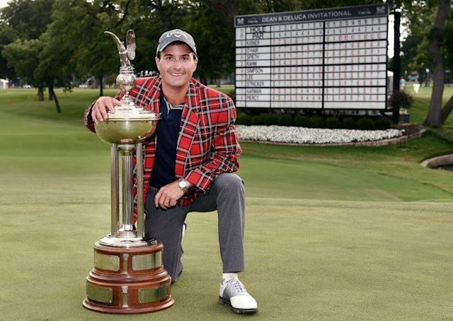 FORT WORTH, TX – MAY 28: Kevin Kisner celebrates with the Leonard Trophy after winning the DEAN & DELUCA Invitational on May 28, 2017 in Fort Worth, Texas. (Photo by Stacy Revere/Getty Images)