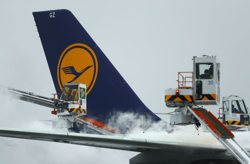 German cabin crew union and Lufthansa agree to further talks, avoid strikes
