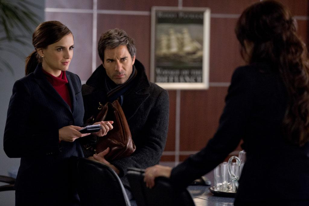 "Rachael Leigh Cook and Eric McCormack in the ""Perception"" Season 2 Premiere, ""Ch Ch Changes."""