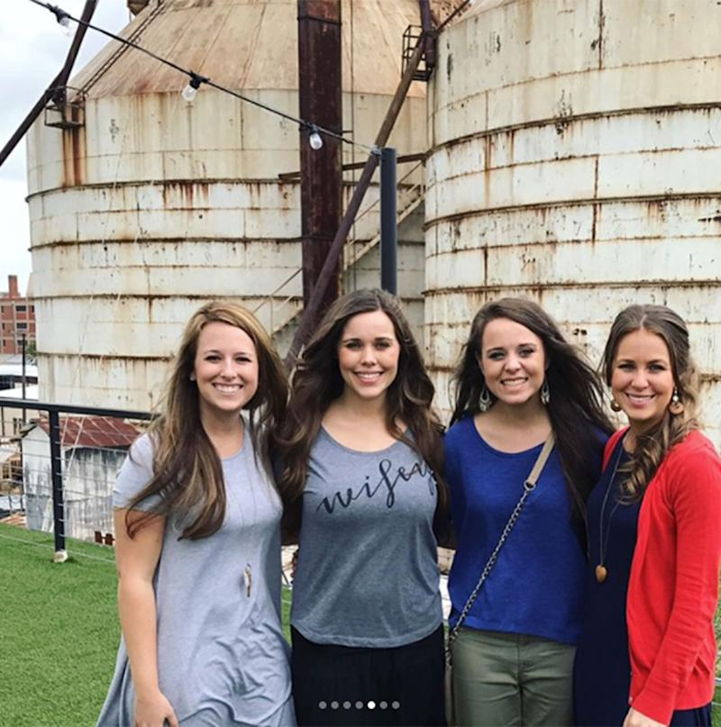 Hello Waco! The Duggar Daughters Had the 'Best Day Ever' at Chip and Joanna Gaines' Magnolia Market