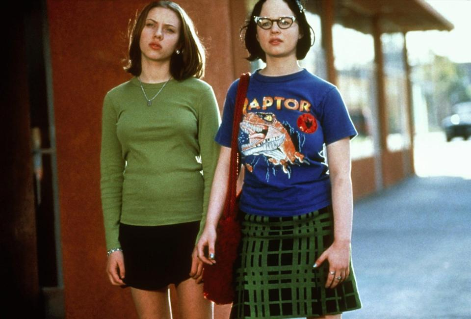 """<ul> <li><strong>What to wear for Rebecca:</strong> A green long-sleeved t-shirt and a black skirt. A look that says, """"I'm really over this.""""</li> <li><strong>What to wear for Enid:</strong> Cat-eye glasses, a blue shirt with a dinosaur on it, and an ill-fitting green and black plaid skirt.</li> </ul>"""