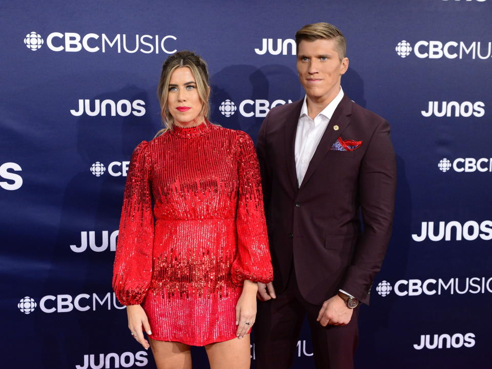 <p>Sorry Stuart! All eyes were on Jenna Walker, one half of the country sibling duo The Reklaws as she rocked a sequinned red minidress. </p>