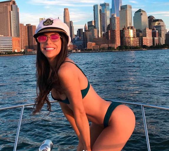 US influencer Jen Selter makes $61,970.10 per Instagram post, picture in green bikini on boat