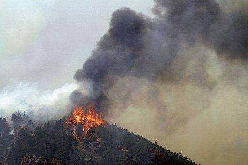 Wildfires have forced the evacuation of more than 1,000 homes in the western US state of Colorado