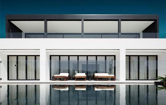 The mansion features an epic infinity pool. Source: Realestate.com.au
