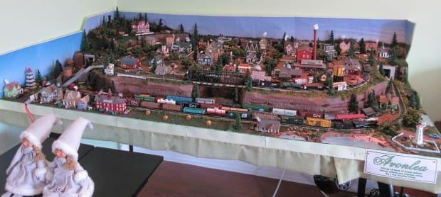 The village of Avonlea was recreated using N Scale (1:160) and is 167 centimetres long by 101 centimetres wide.