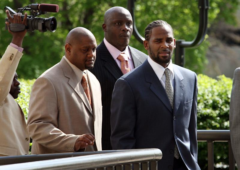 R. Kelly arrives at his child pornography trial in 2008.