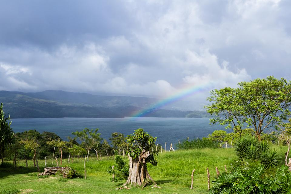 Costa Rica is known for its tranquil beauty, and is a favorite with American expats. (Photo: Getty Images)