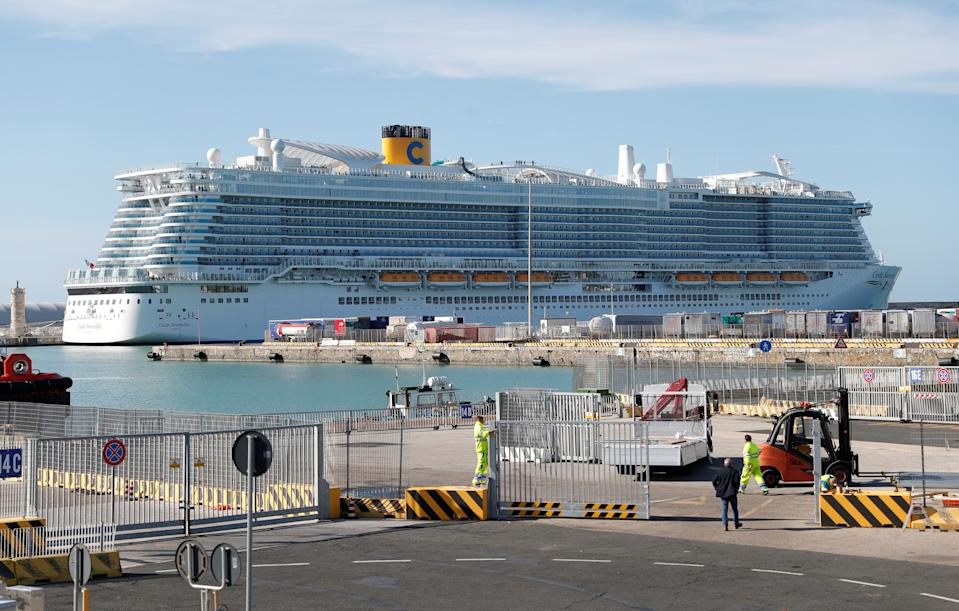 The Costa Smeralda cruise ship of Costa Crociere, carrying around 6,000 passengers, is docked at the Italian port of Civitavecchia after a health alert due to a Chinese couple and a possible link to coronavirus on board, in Civitavecchia, Italy, January 30, 2020. REUTERS/Guglielmo Mangiapane REFILE - ADDING INFORMATION