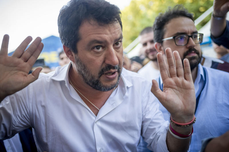 "Renzi attacca Salvini: ""Ha usato i 49 milioni della Lega per istigare all'odio su Facebook""(Photo by Antonio Masiello/Getty Images)"