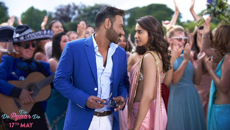De De Pyaar De Box Office Collection Day 17: Ajay Devgn and Rakul Preet Singh Starrer Is Inching Closer to the Rs 100 Crore Mark, Rakes in Rs 93.08 Crore