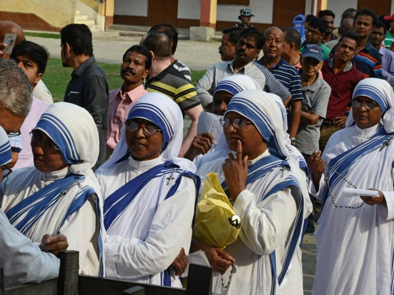 India election: Violence in West Bengal and Kashmir mars second day of world's biggest vote
