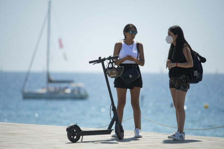Case rates are rising among Spain's youth thanks to the easing of restrictions and the onset of the summer holiday season