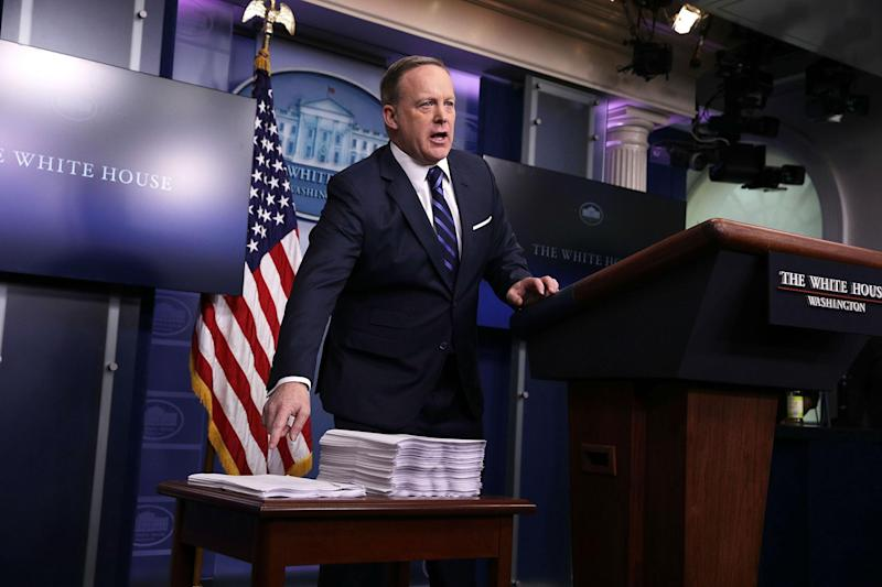 Sean Spicer demonstrates why smaller is better when it comes to healthcare laws: Getty