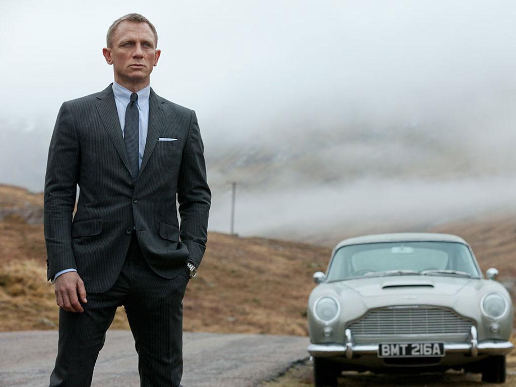 "4. <a href=""http://movies.yahoo.com/movie/skyfall-2012/"">Skyfall</a><br>Total Gross: $283,700,000"