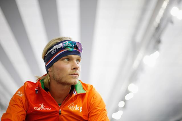 <p>XXXX competes in the XXXXX on day three during the ISU World Cup Speed Skating held at Thialf on November 12, 2017 in Heerenveen, Netherlands.<br>Koen Verweij of the Netherlands gets ready to compete in the Mens 1000m race on day three during the ISU World Cup Speed Skating held at Thialf on November 12, 2017 in Heerenveen, Netherlands. (Photo by Dean Mouhtaropoulos – ISU/ISU via Getty Images) </p>