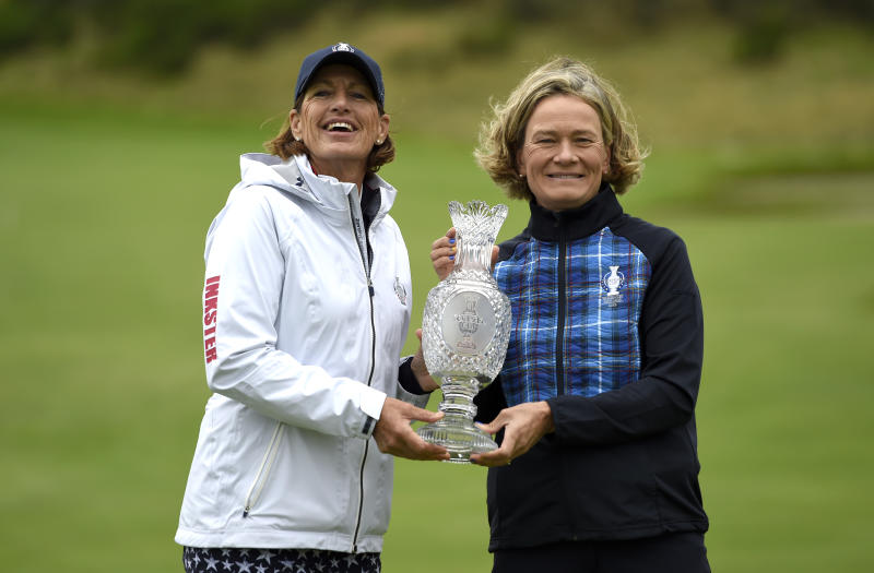 Team USA captain Juli Inkster and Team Europe captain Catriona Matthew pose ahead of the 2019 Solheim Cup at Gleneagles