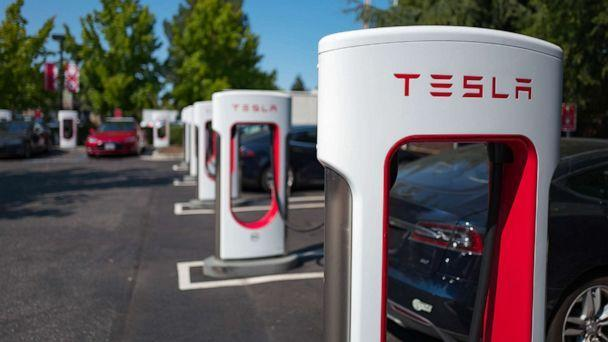PHOTO: A Tesla supercharger rapid battery charging station in Mountain View, Calif., Aug. 24, 2016. (Smith Collection/gado/Getty Images, FILE)
