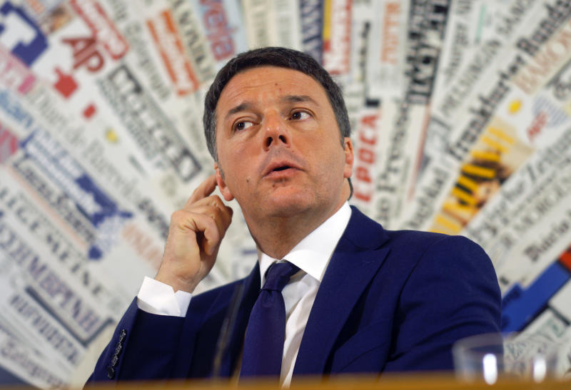 "Orlando contro Renzi: ""Ultimatum come dal Papeete"". La replica(AP Photo/Domenico Stinellis)"
