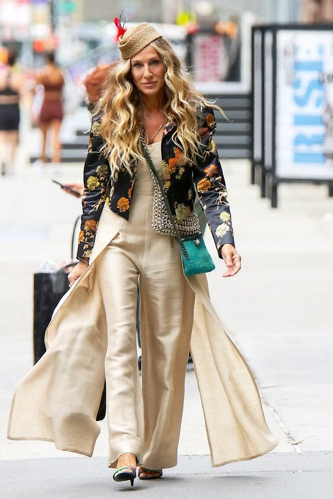 """NEW YORK, NY – JULY 13: Sarah Jessica Parker is seen on the film set of the """"And Just Like That"""" TV Series on July 13, 2021 in New York City. (Photo by MediaPunch/Bauer-Griffin/GC Images)"""