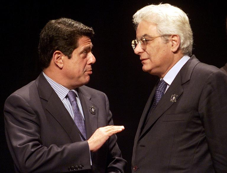 Sergio Mattarella (R), seen here on October 10, 2000, will be supported by Renzi's ruling Democratic Party to be Italy's next president