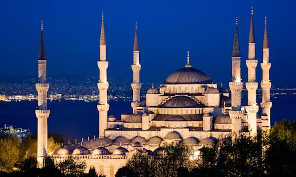 Blue Mosque at night, Istanbul, Turkey