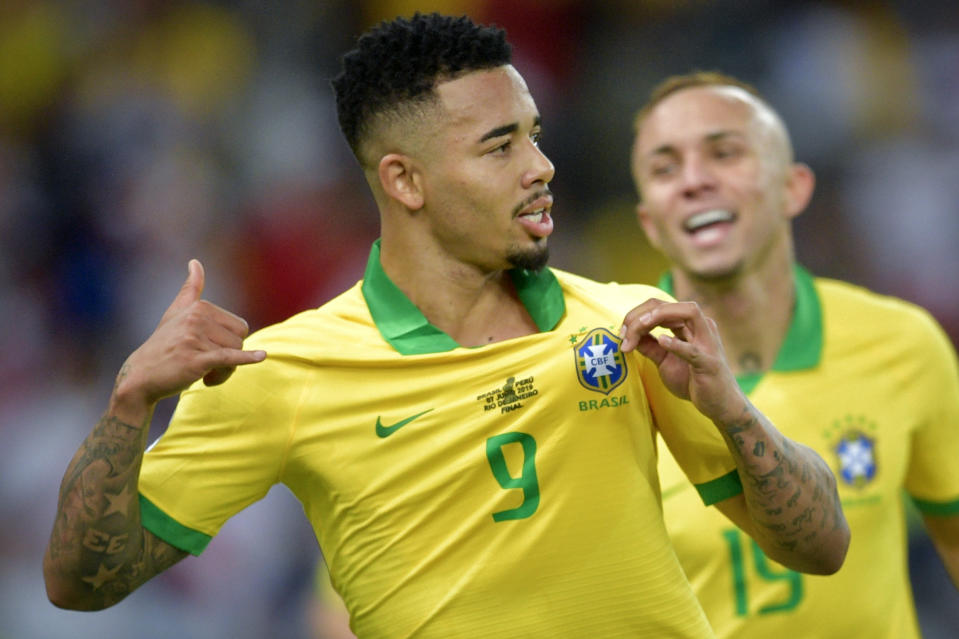 Brazil's Gabriel Jesus (L) celebrates after scoring against Peru during the Copa America football tournament final match at Maracana Stadium in Rio de Janeiro, Brazil, on July 7, 2019. (Photo by Raul ARBOLEDA / AFP)        (Photo credit should read RAUL ARBOLEDA/AFP/Getty Images)