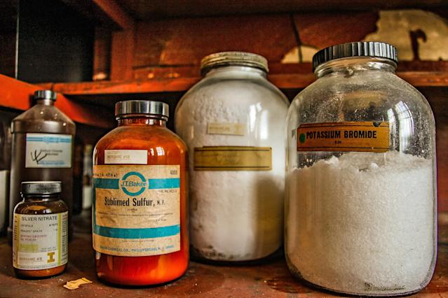 <p>In the biology lab of the school, the chemicals were never taken out — potentially dangerous ones were left, including sulfuric acid. (Photo: Leland Kent/Caters News) </p>