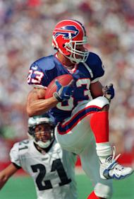 Buffalo Bills wide receiver Andre Reed makes his 900th career reception (AP Photo/Mike Groll, File)