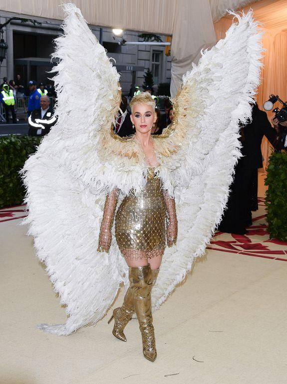 """<img alt=""""""""/><p>By now, I pray you've seen <a rel=""""nofollow"""" href=""""http://mashable.com/2018/05/07/pope-rihanna-met-gala/?utm_campaign&utm_context=textlink&utm_medium=rss&utm_source"""">Pope Rihanna</a> blessing us all with her Met Gala ensemble – or <a rel=""""nofollow"""" href=""""https://mashable.com/2018/05/08/ariana-grande-michelangelo-fresco/?utm_campaign=Mash-BD-Synd-Yahoo-Watercooler-Full&utm_cid=Mash-BD-Synd-Yahoo-Watercooler-Full"""">Ariana Grande</a> providing us a literal example of the """"Heavenly Bodies: Fashion and the Catholic Imagination"""" theme.</p> <p>While there were folks who chose to come in what were basically insanely expensive prom dresses, there were others who stuck with the night's religious motif and probably made Anna Wintour very proud. Some went very literal — Sarah Jessica Parker's altar or Zendaya's Joan of Arc interpretation — and others, like Jaden Smith, just looked really really cool. Here are our favorites from the first Monday of May.</p> <div><p>SEE ALSO: <a rel=""""nofollow"""" href=""""https://mashable.com/2018/05/07/pope-rihanna-met-gala/?utm_campaign=Mash-BD-Synd-Yahoo-Watercooler-Full&utm_cid=Mash-BD-Synd-Yahoo-Watercooler-Full"""">Pope Rihanna arrives at the Met Gala, causes worldwide religious experience</a></p></div> <h2><br></h2> <h2>Sarah Jessica Parker</h2> <p><img alt=""""NEW YORK, NY - MAY 07:  Sarah Jessica Parker attends the Heavenly Bodies: Fashion & The Catholic Imagination Costume Institute Gala at the Metropolitan Museum of Art on May 7, 2018 in New York City.  (Photo by George Pimentel/Getty Images)""""></p> <div><p>Image:  Getty Images</p></div><h2><br></h2> <h2>SZA</h2> <p><img alt=""""NEW YORK, NY - MAY 07:  SZA attends the Heavenly Bodies: Fashion & The Catholic Imagination Costume Institute Gala at Metropolitan Museum of Art on May 7, 2018 in New York City.  (Photo by Karwai Tang/Getty Images)""""></p> <div><p>Image:  Getty Images</p></div><h2>Amanda Seyfried</h2> <p><img alt=""""NEW YORK, NY - MAY 07:  Amanda Seyfield attends the Heavenly Bodies"""