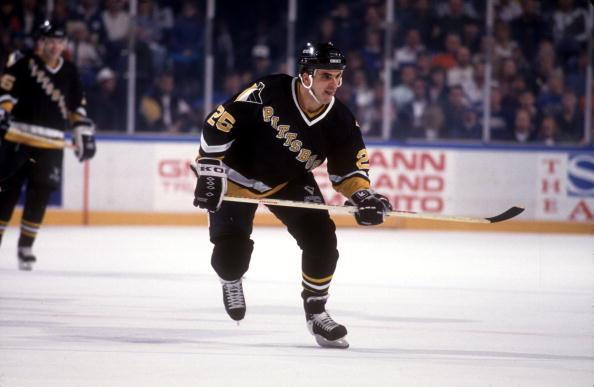 1992: KEVIN STEVENS, FORWARD OF THE PITTSBURGH PENGUINS IN ACTION. Mandatory Credit: ALLSPORT
