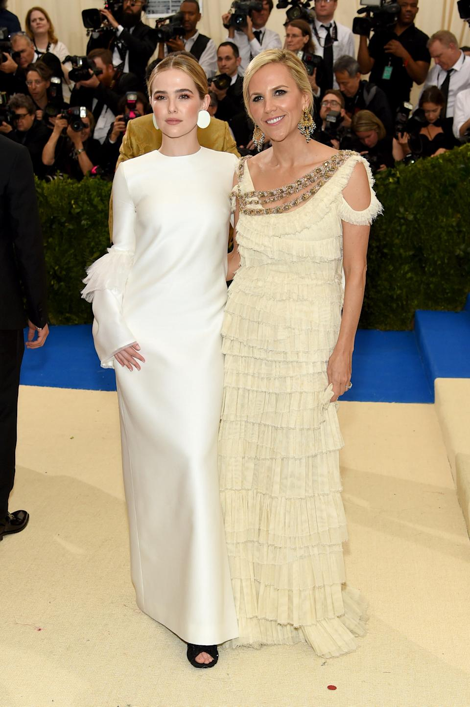 """<h1 class=""""title"""">Zoey Deutch and Tory Burch</h1><cite class=""""credit"""">Photo: Getty Images</cite>"""