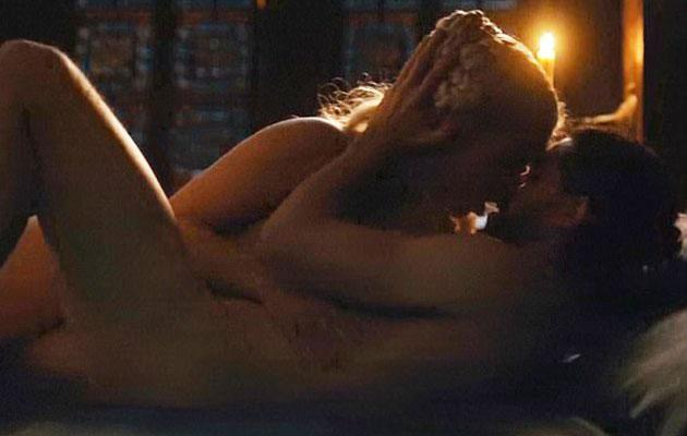 Fans went wild over the steamy moment. Source: HBO