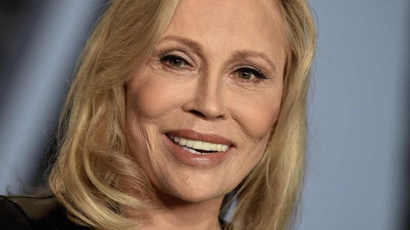 Faye Dunaway Hit With Lawsuit for Calling Assistant
