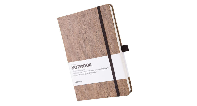 Natural and sustainable cork hardcover writing notebook with pen loop & premium thick paper (Photo: Lemome)