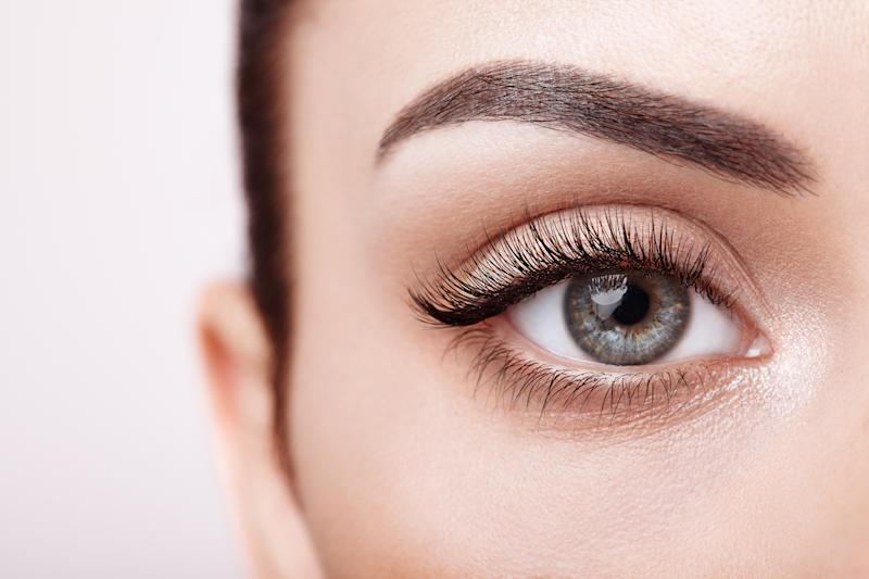 A celebrity makeup artist likes this mascara best. (Photo: Getty Images)