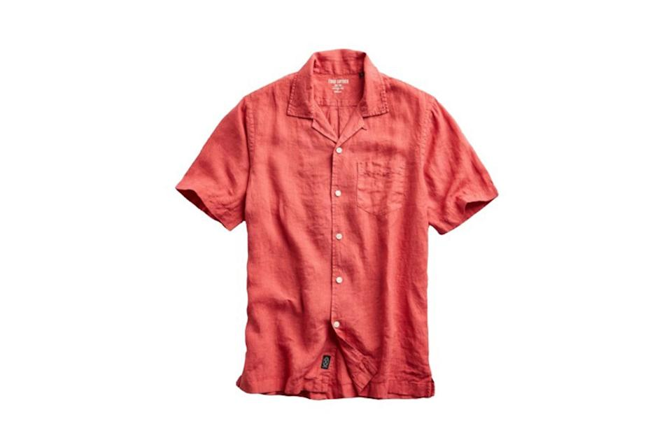"$158, Todd Snyder. <a href=""https://www.toddsnyder.com/collections/sale/products/camp-collar-linen-short-sleeve-nantucket-red"" rel=""nofollow noopener"" target=""_blank"" data-ylk=""slk:Get it now!"" class=""link rapid-noclick-resp"">Get it now!</a>"