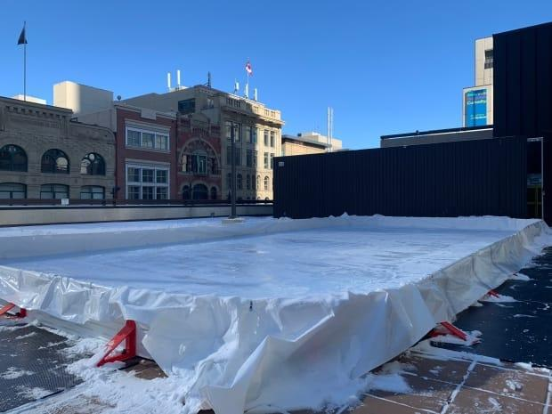 At the Calgary Marriott Downtown Hotel, construction has started on an outdoor skating rink for guests to enjoy.