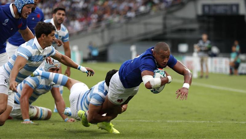 Unconvincing France squeezes past Pumas to secure narrow victory